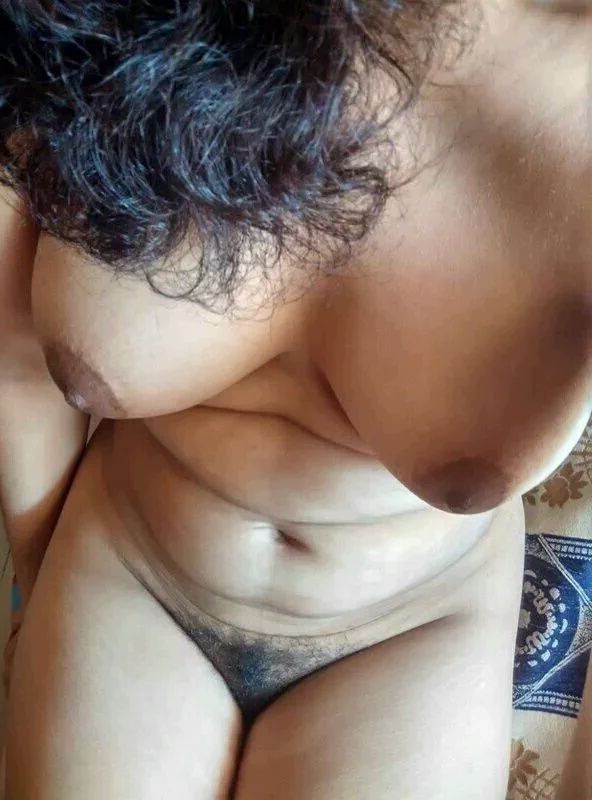 Girls with camel toe on her pussy